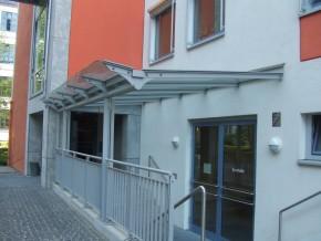 Städt. Berufsschule für Bau- und Kunsthandwerk München, Eingangsbereich