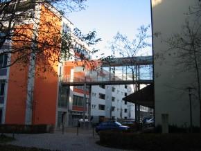 Städt. Berufsschule für Bau- und Kunsthandwerk München, Verbindungssteg