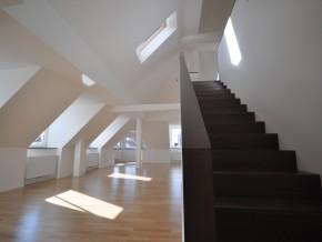 Augustenstraße München, Wohnung 1 Galerietreppe